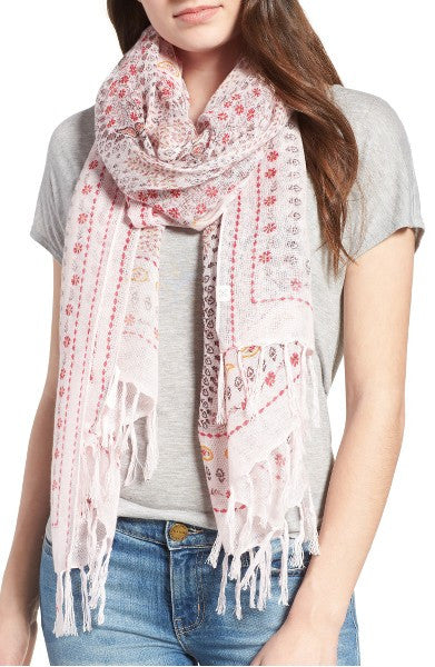 This is YOUR scarf for the Summer!