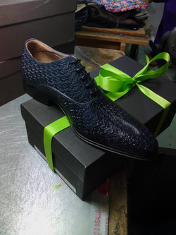Alligator Skin Textured Lace-up