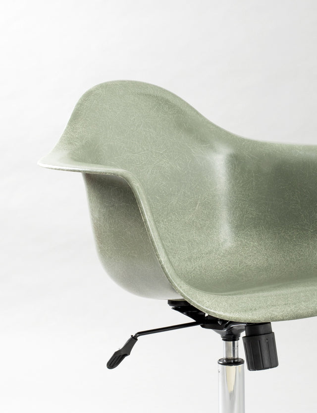 Modernica Case Study Arm Shell Rolling - Green Fiberglass Chair - By Autotype