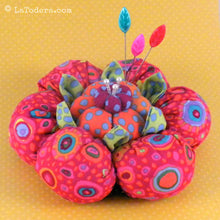 DIY Puffy Cactus Flower Pincushion Tutorial - PDF Sewing Pattern - La Todera