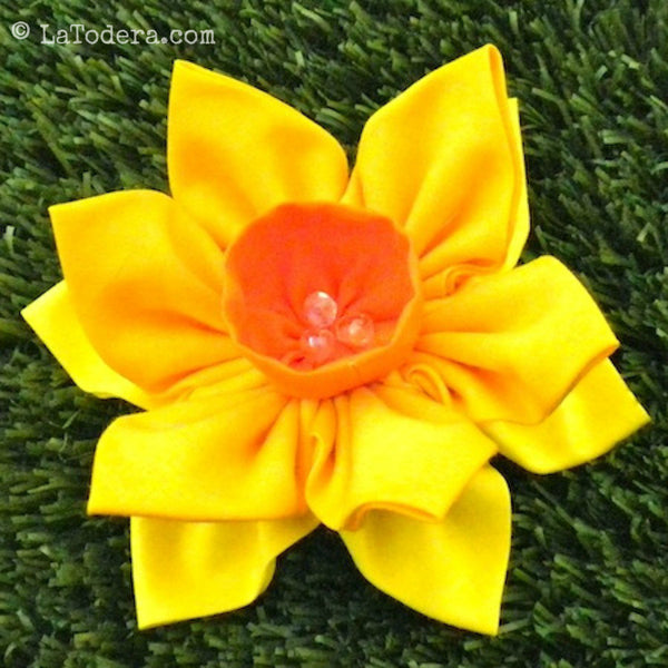 Double Daffodil Brooch Pattern- Instant Download - La Todera