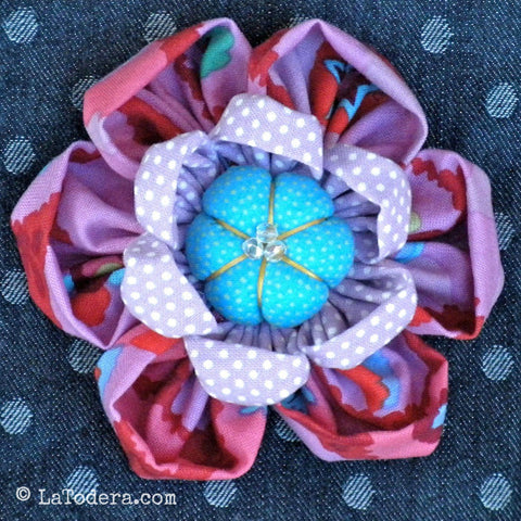 Kafflower! Brooch PDF Pattern - La Todera