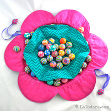 DIY Fabric Flower Pouch Tutorial - PDF Sewing Pattern - La Todera