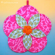 DIY Plumeria Flower Quilted Potholder Tutorial - PDF Sewing Pattern - La Todera
