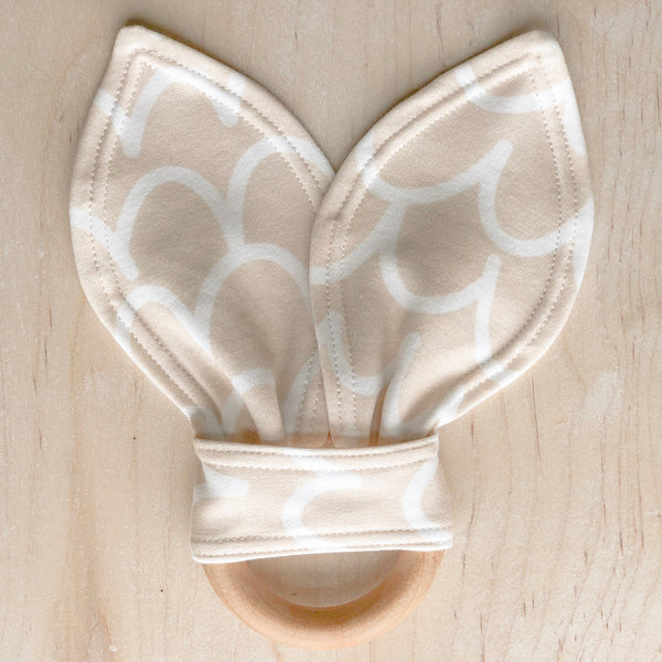 ORGANIC Scallop Teething Ring