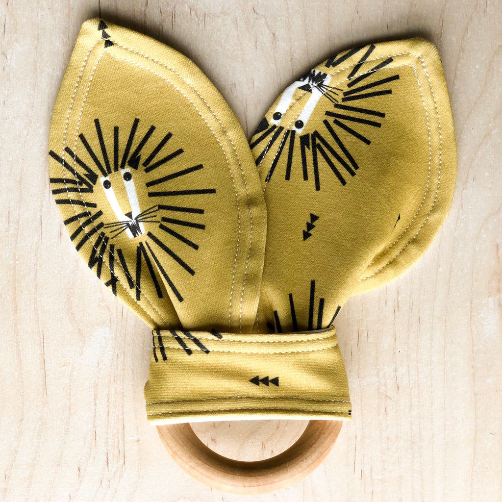 ORGANIC Lion Teething Ring
