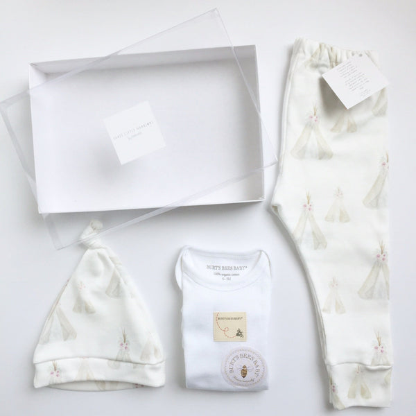 Layette Set / Teepee