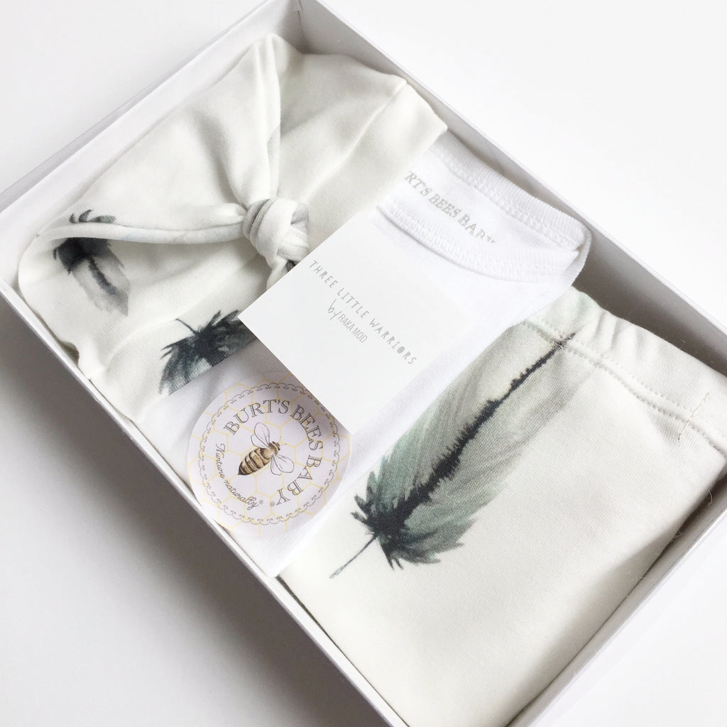 Layette Set / Feathers (Waves)
