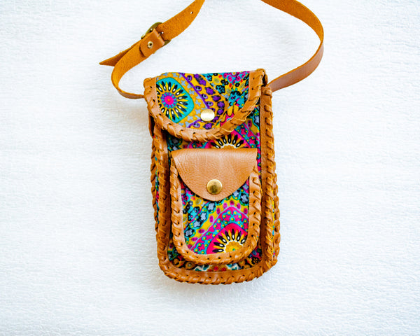 Thuli crossbody cellphone pouch