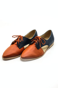 Benya Cut Out Oxford in Toffee/ Matte Black