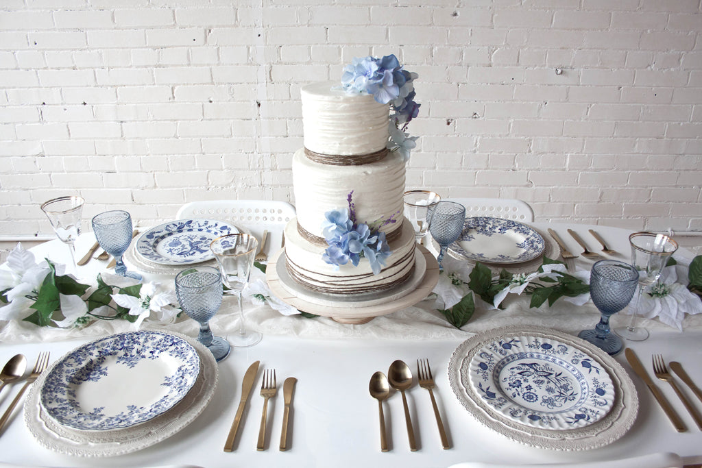 blue and white summer bridal cake and inspiration