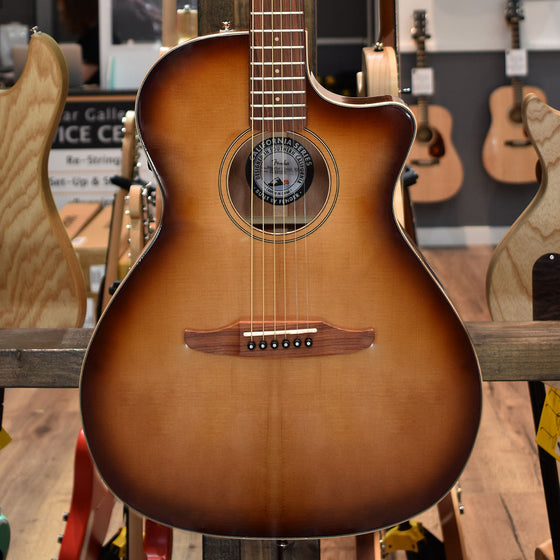 Fender Newporter Classic Aged Cognac Burst Electro Acoustic Guitar w/ Deluxe Gig Bag