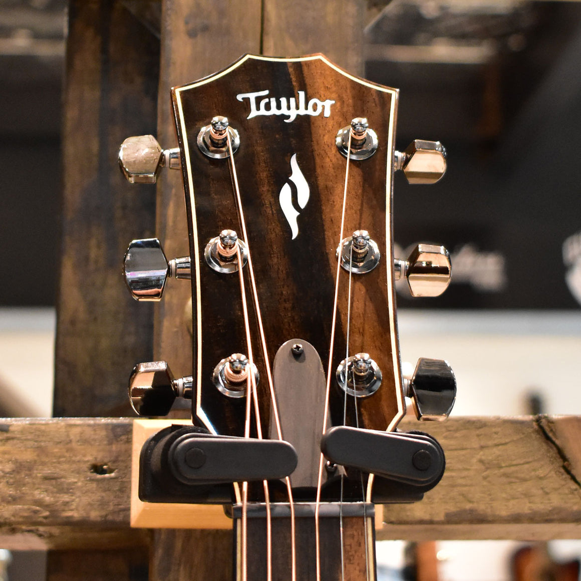 Taylor 814ce Radius Armrest V-Class Bracing Electro Acoustic Guitar with Taylor Hard Case