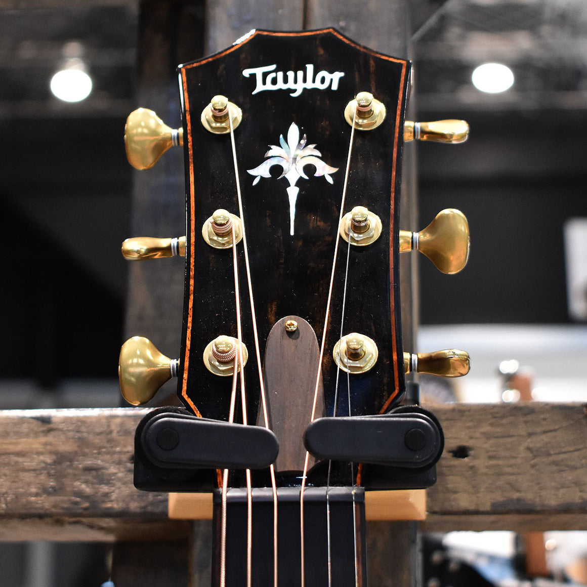Taylor 914ce V-Class Bracing Electro Acoustic Guitar with Taylor Hard Case
