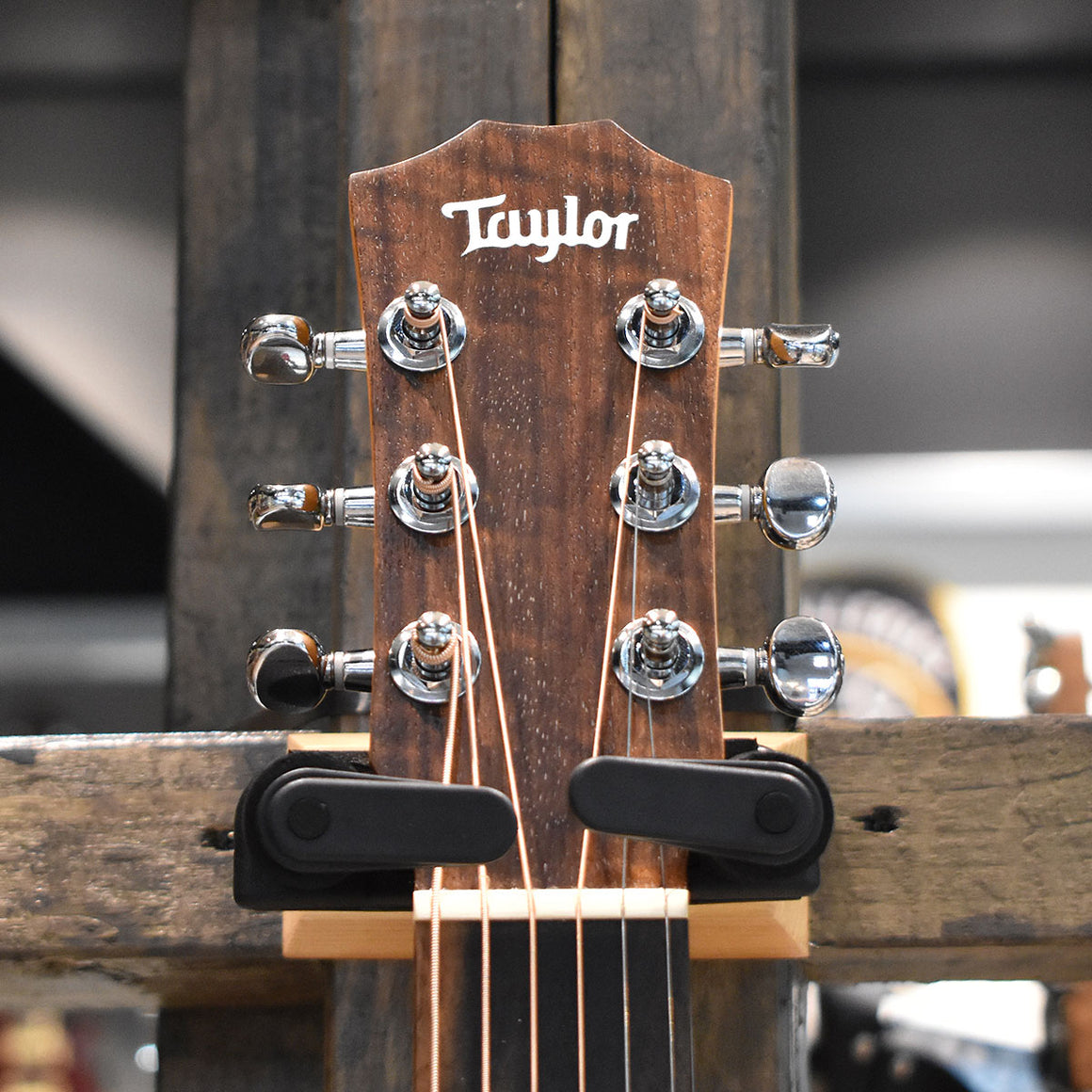 Baby Taylor Mahogany BT2 Left Handed Acoustic Guitar with Taylor gig bag