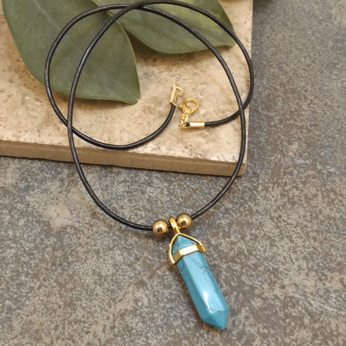 Turquoise Howlite and Leather Necklace