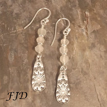 Load image into Gallery viewer, Silver and Moonstone Earrings