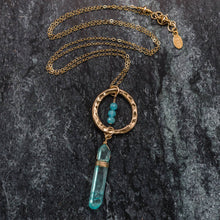 Load image into Gallery viewer, Christal - Gold and Raw Quartz Necklace