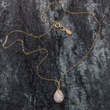 Load image into Gallery viewer, Bijoux - Druzy and Gold Necklace