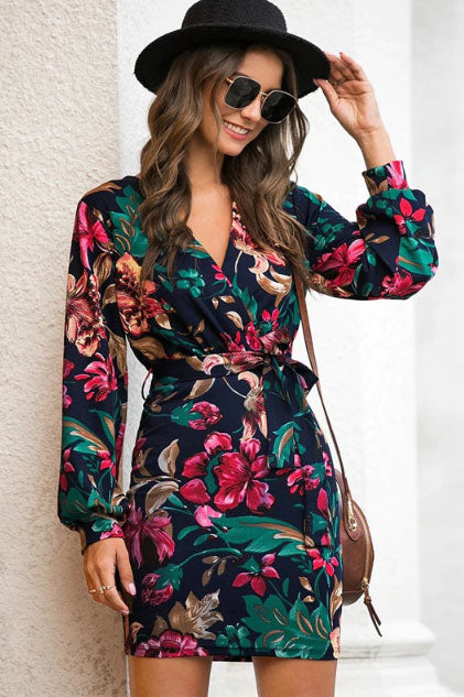 Girl wearing the Eazy Floral Pencil Dress, cowboy hat, brown shoulder bag and sunglasses.