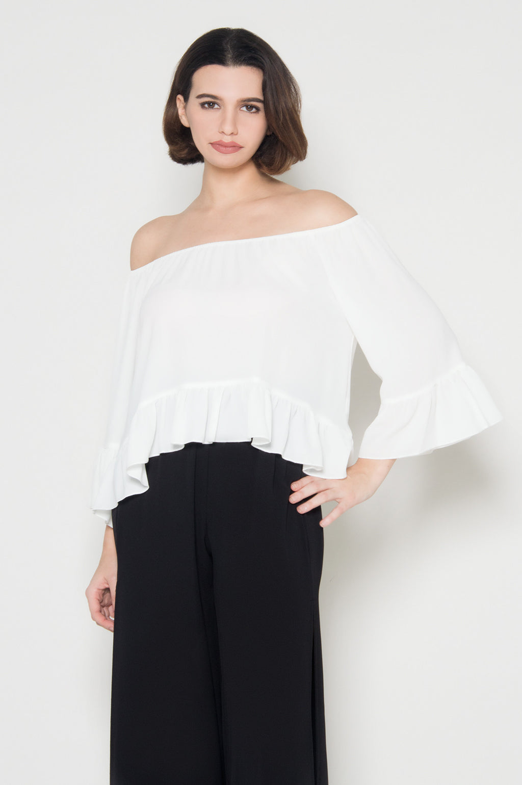 Off the Shoulder White Top Noble simplicity off shoulder blouse