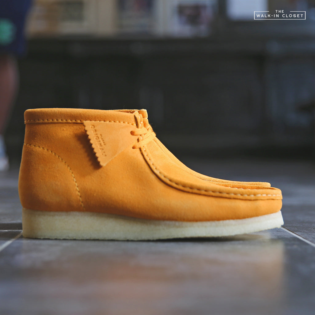 "CLARKS ORIGINALS WALLABEE BOOT ""BURNT YELLOW SUEDE"" - 26146259"