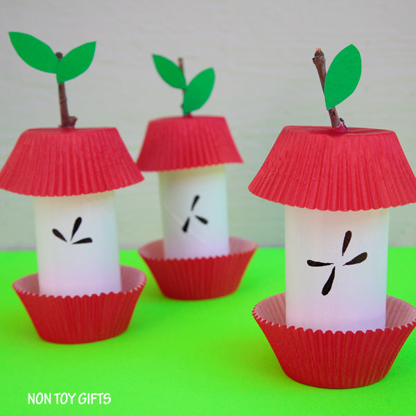 Upcycled toilet paper roll apple decorations to hang around the house for Thanksgiving