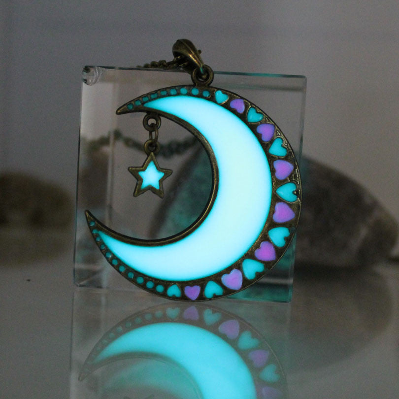 Magical Glow In The Dark Crescent Moon & Star - The GearBuyz Store