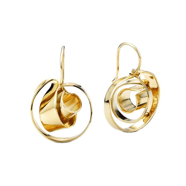 Mobious Earrings by Oblik Atelier