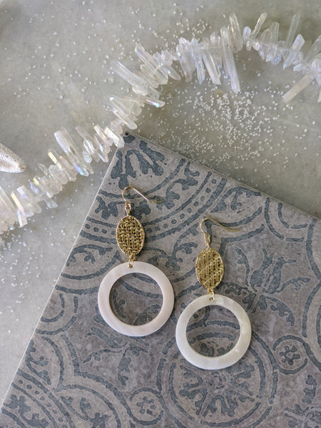 BEXO White Shell Hoop Earrings