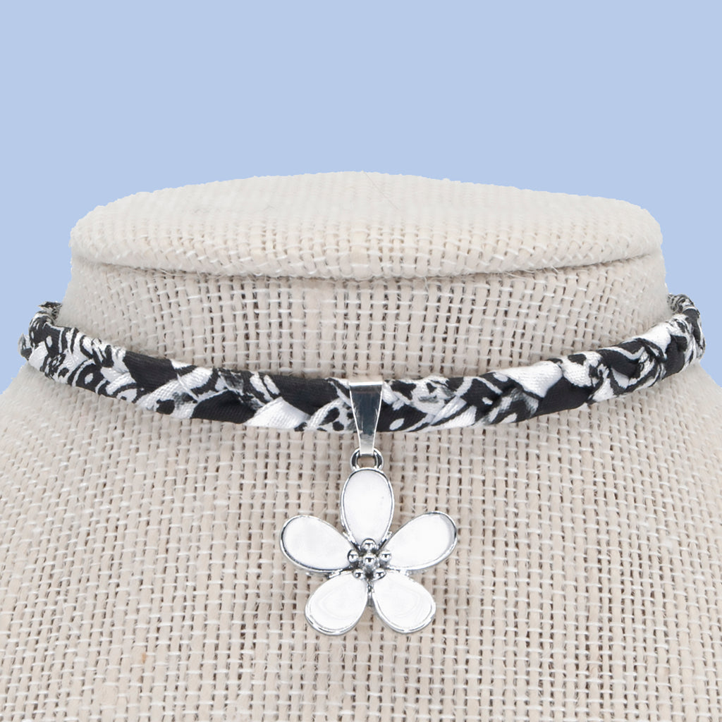 White Flower Choker