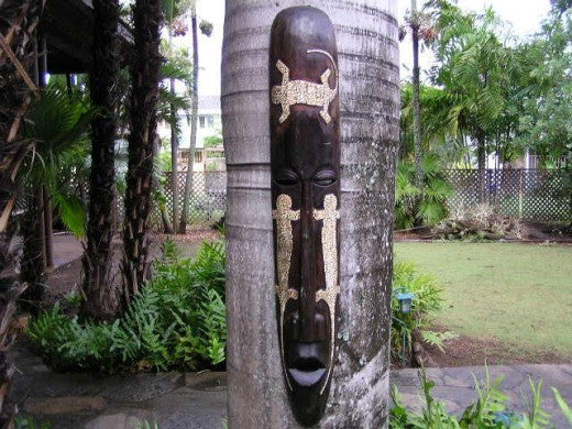 "Primitive Tiki Mask 3 Geckos 40"" - Abstract Decor"
