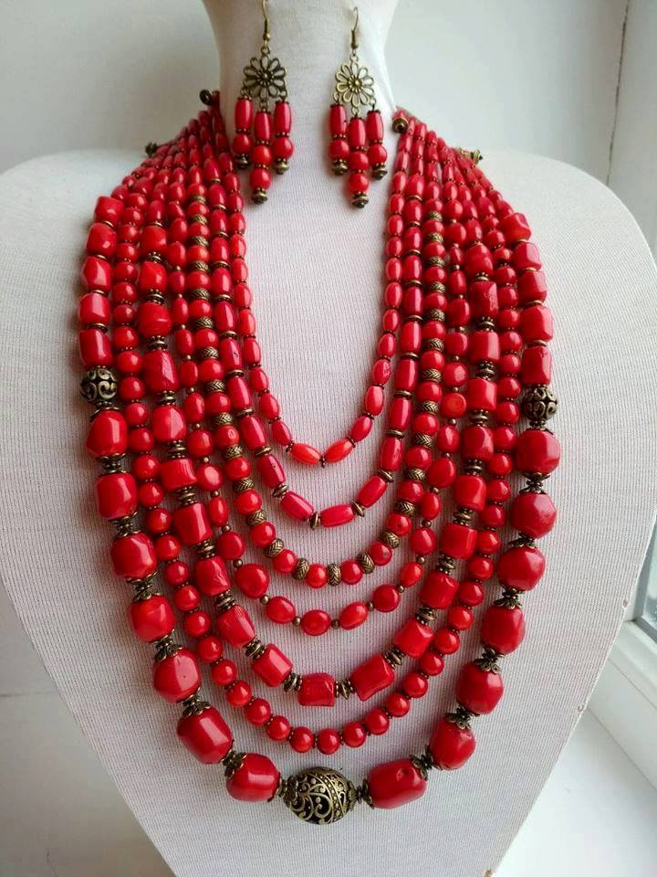 Natural coral necklace and earrings set - 1
