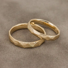 Scratched gold wedding band set - 3