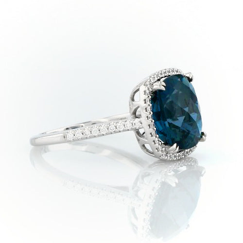 Cushion cut London blue topaz and diamonds ring - 3