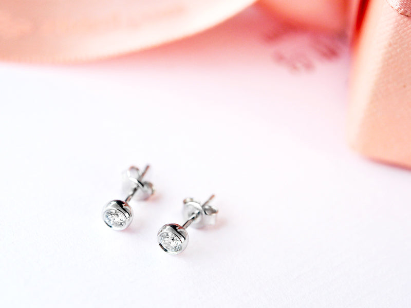 Round diamond stud earrings - 2