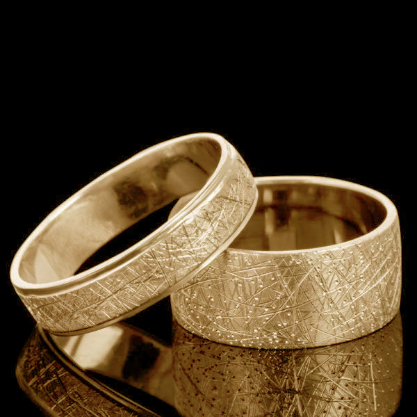 Scratched gold wedding band set - 2