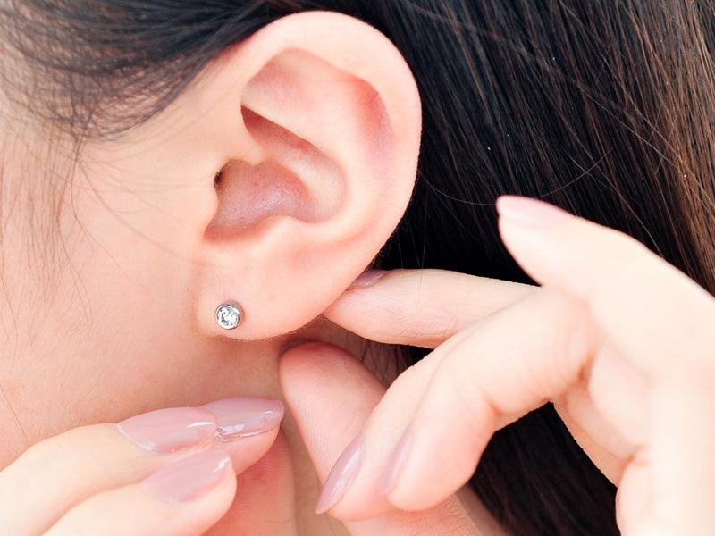 Round diamond stud earrings - 6
