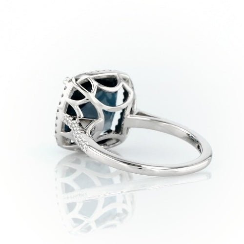 Cushion cut London blue topaz and diamonds ring - 4