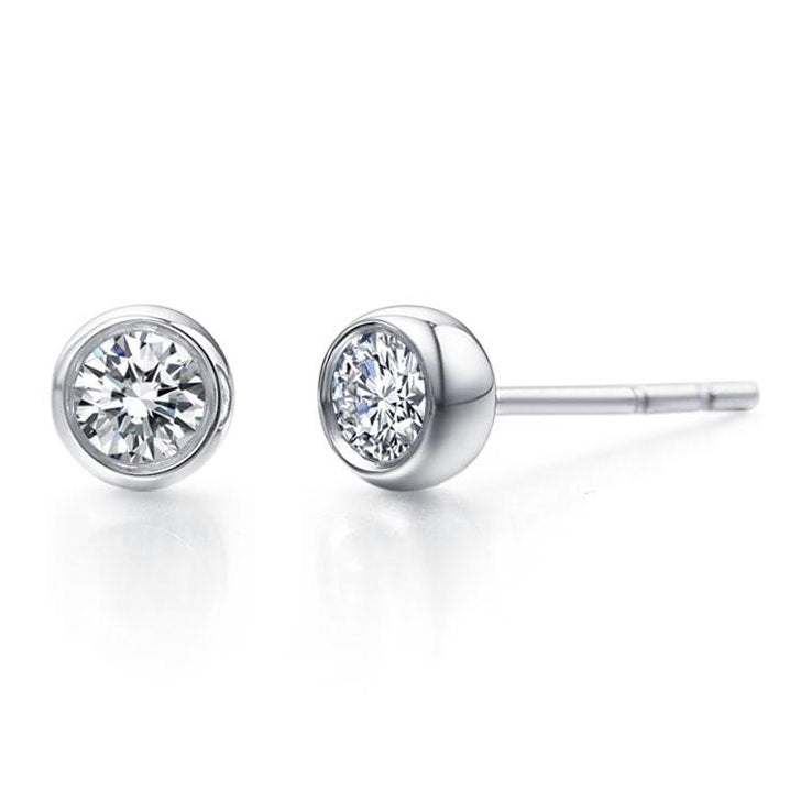 Round diamond stud earrings - 1