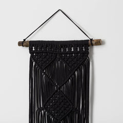 Black yarn weaving décor
