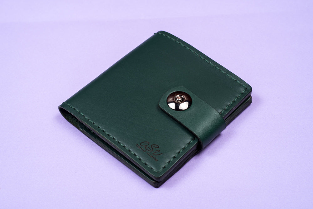 Green leather wallet - 1