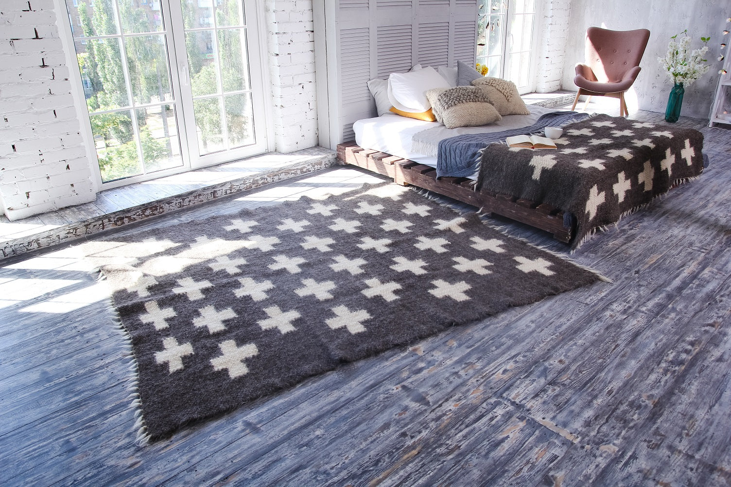Swiss cross area rug - 2