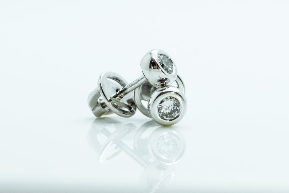 Round diamond stud earrings - 5