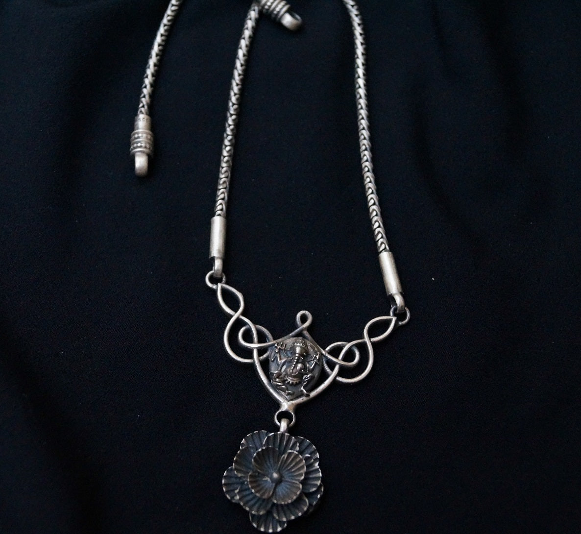 Bib Indian silver necklace - 1