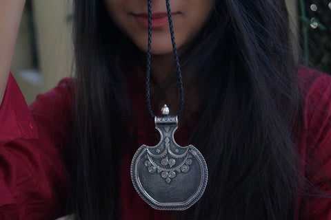 Chunly silver rribal pendant