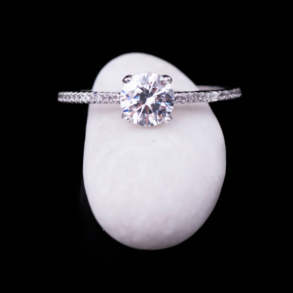 White cubic zirconia centerpiece ring - 1