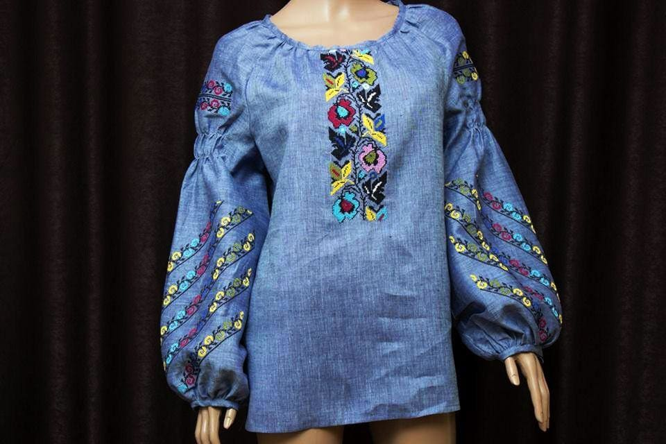 Applique embroidery designs woman blouse ts