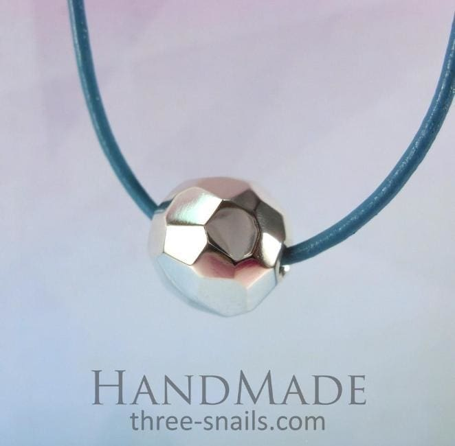 handmade pendant necklaces