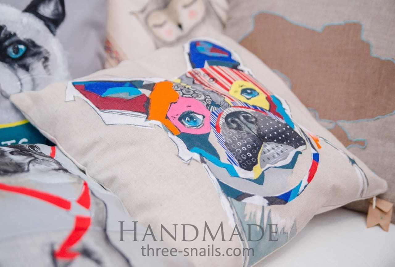 Bed Pillow «Colorful Bulldog» - Pillow
